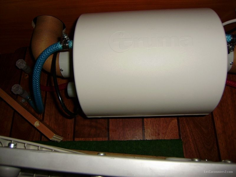 Probleme sur chauffe eau truma therme page 2 forum les - Fuite chauffe eau par le haut ...