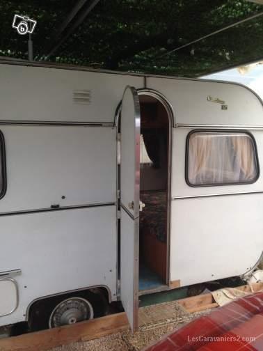 caravanes anciennes a vendre sur le net page 125 forum les caravaniers2 com. Black Bedroom Furniture Sets. Home Design Ideas